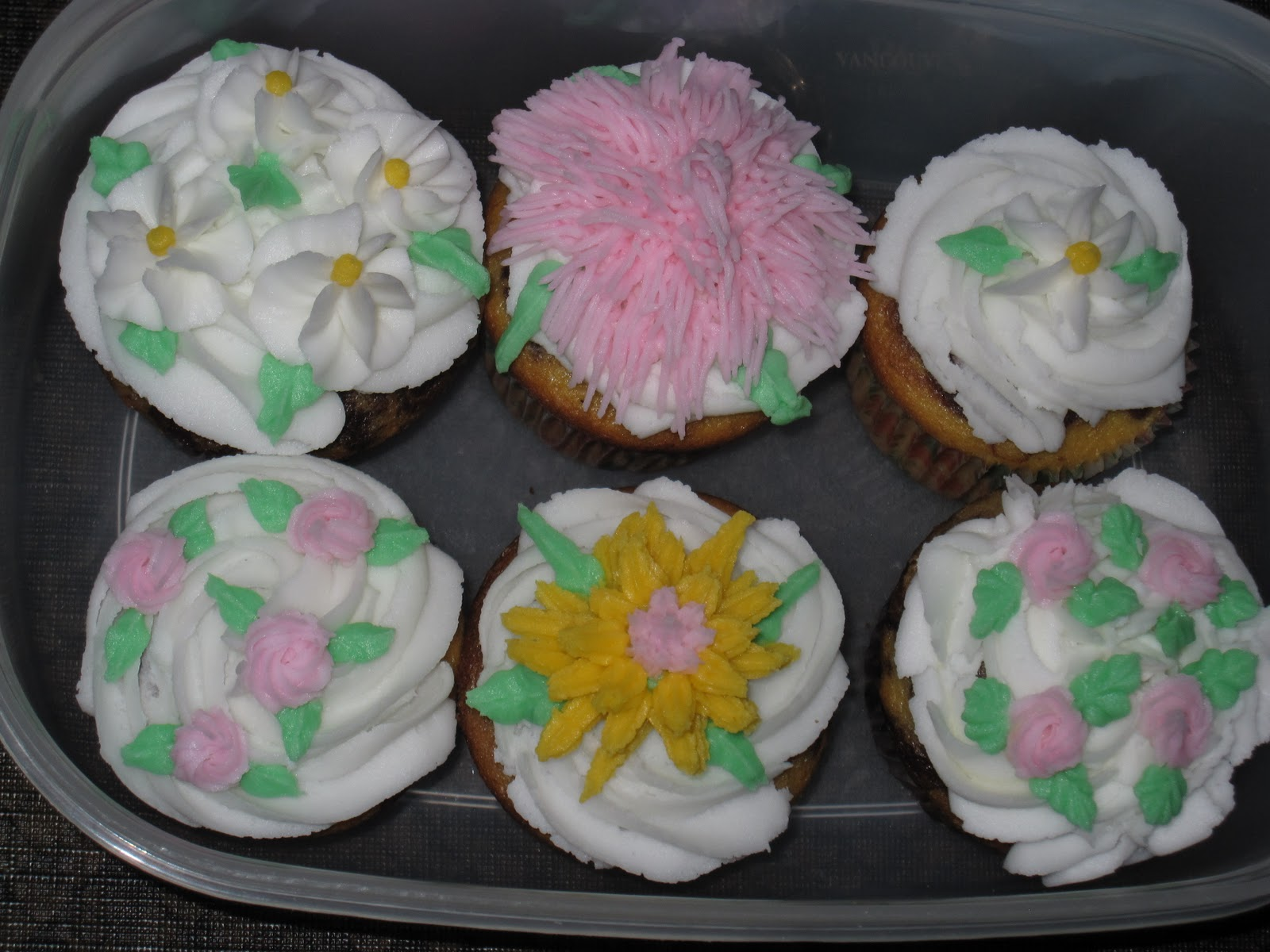 Best Michael S Basic Cake Decorating Class Day 3 She Bakes Here This Month