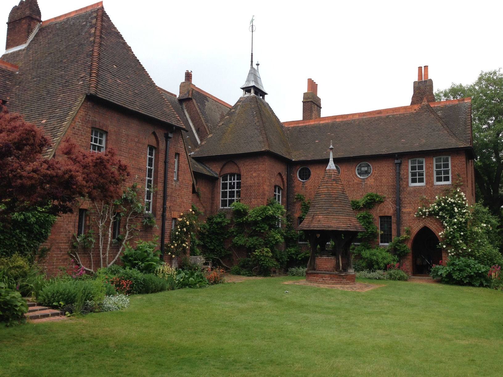 Best The Red House – Palace Of Arts And Crafts – Tammy Tour Guide This Month
