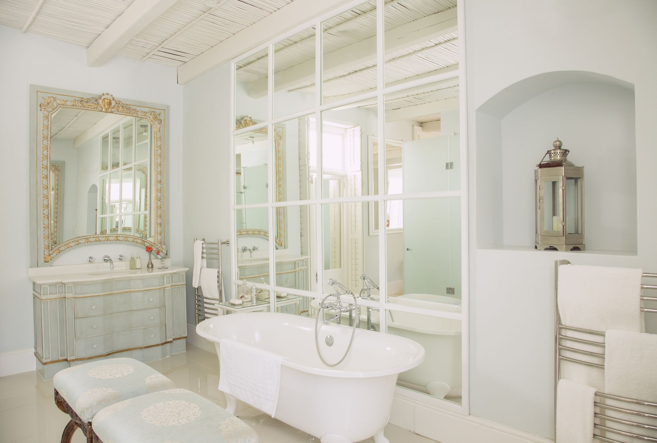 Best Essential Tips For An Elegant Bathroom Design This Month
