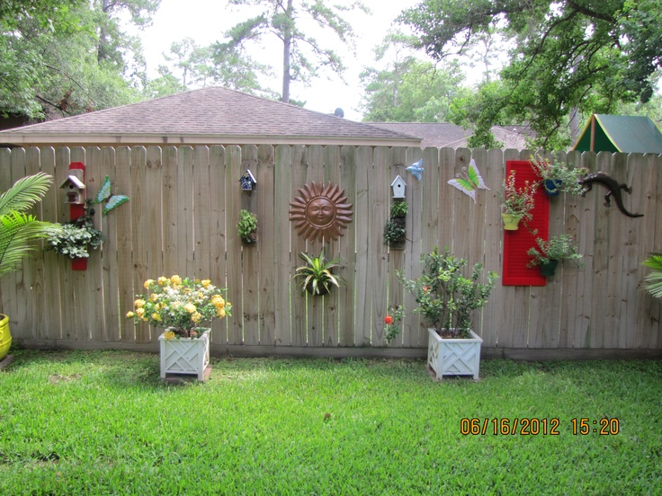 Best Decorating A Plain Wooden Fence Gardening Pinterest This Month