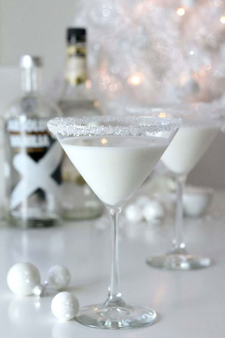 Best 25 Best Ideas About White Party Decorations On Pinterest This Month