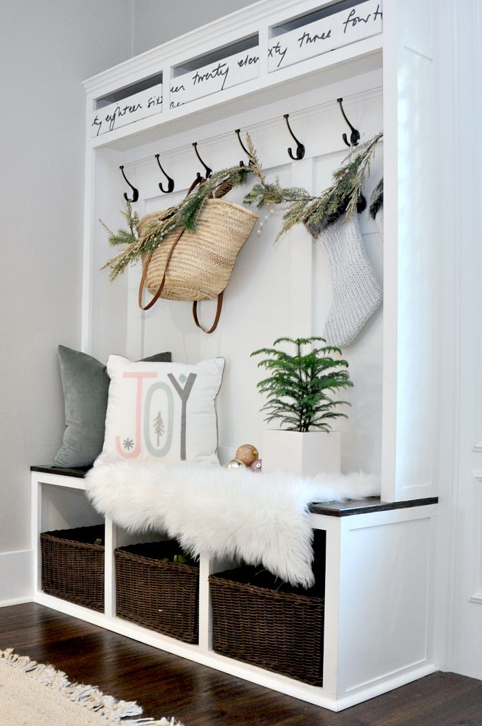 Best 1000 Ideas About Entryway Bench On Pinterest Rustic This Month