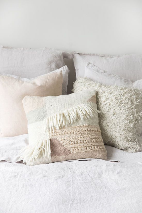Best 25 Decorative Bed Pillows Ideas On Pinterest This Month