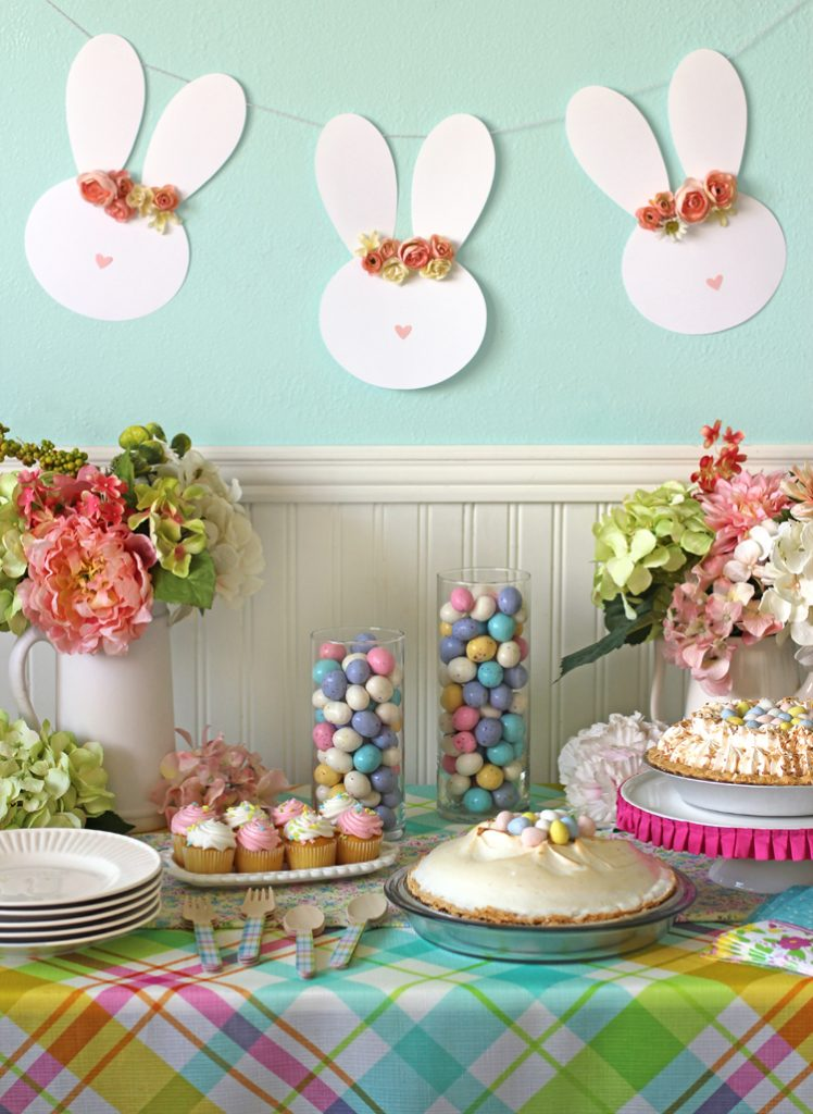 Best Easy Easter Table Decor And A Floral Crown Easter Bunny This Month