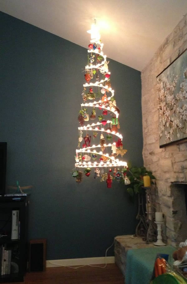 Best 12 Hilarious Child And Pet Proof Christmas Trees Oddee This Month