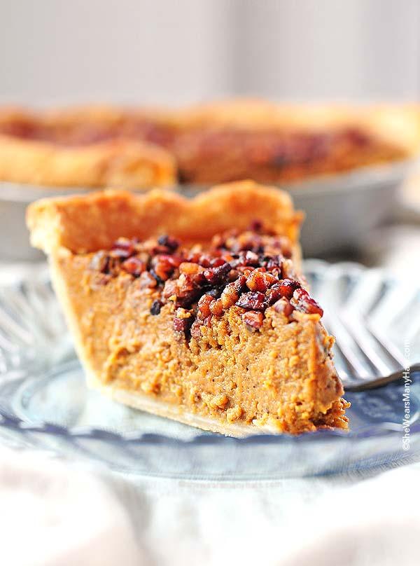 Pumpkin Pie Recipe with Pecan Praline Topping   shewearmanyhats.com