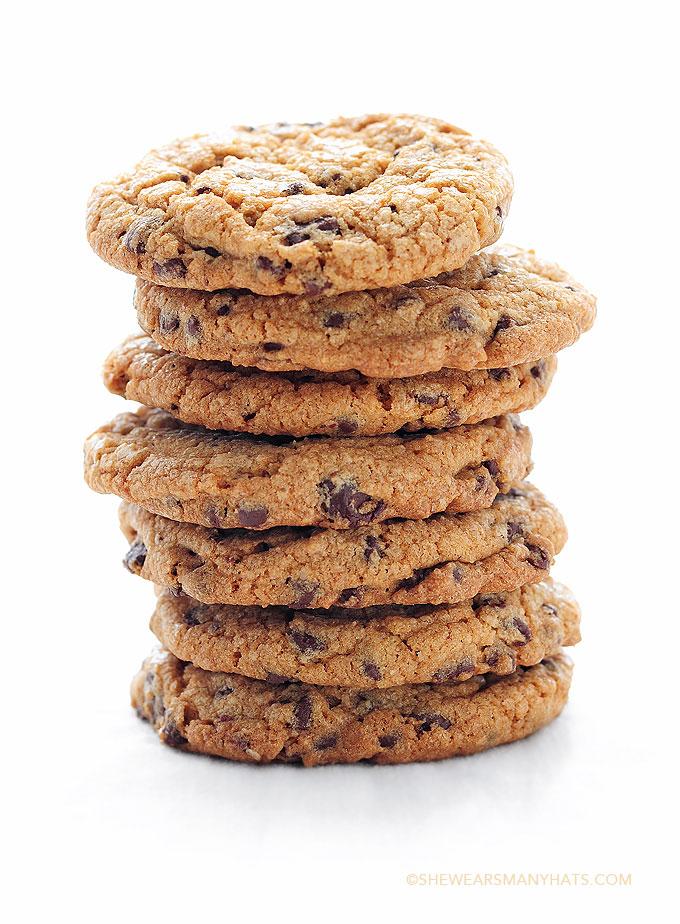 Best Chocolate Chip Cookies Recipe | shewearsmanyhats.com