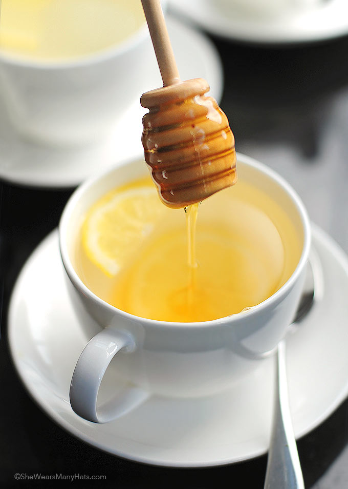 All Natural Lemon Ginger Tea Recipe | shewearsmanyhats.com