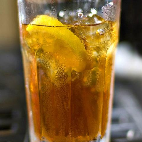 Southern Iced Tea Recipe shewearsmanyhats.com