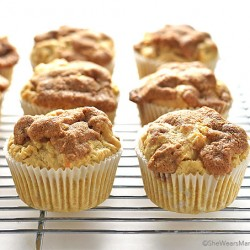 Apple Cinnamon Muffins with a Cinnamon Crunch Topping