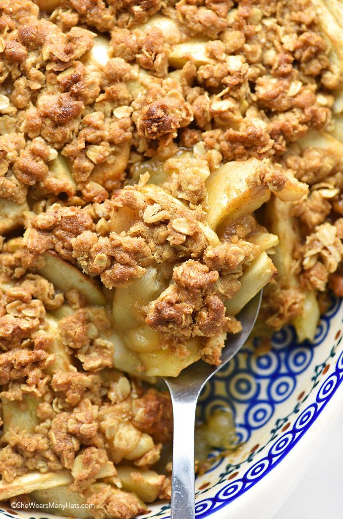 Homemade Apple Crisp Recipe shewearsmanyhats.com