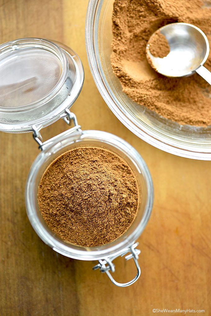 Homemade Pumpkin Pie Spice Make this Pumpkin Pie Spice Recipein no time at all to use in all of your favorite pumpkin recipes. | shewearsmanyhats.com #pumpkin #pumpkinspice #recipe