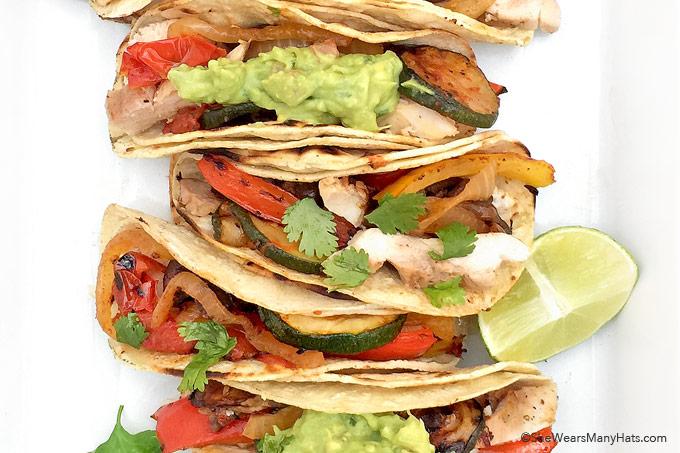 Easy Grilled Chicken Fajitas Recipe with Vegetables | shewearsmanyhats.com