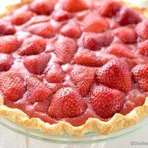 Fresh Strawberry Pie Recipe | shewearsmanyhats.com