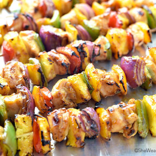 Hawaiian Chicken Kabobs Recipe | shewearsmanyhats.com
