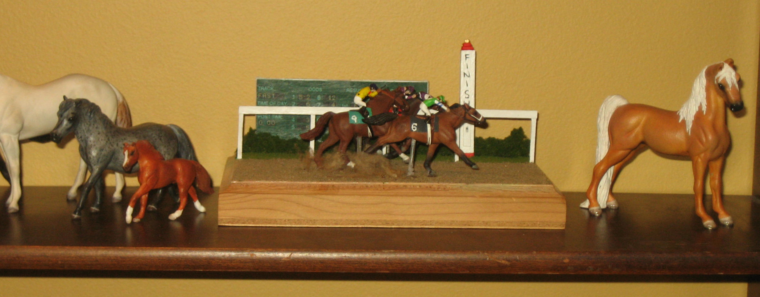 Bay Shoestring Stable