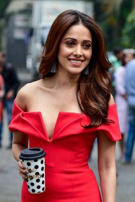 Nushrat Bharucha Kartik Aaryan On The Sets Of India S