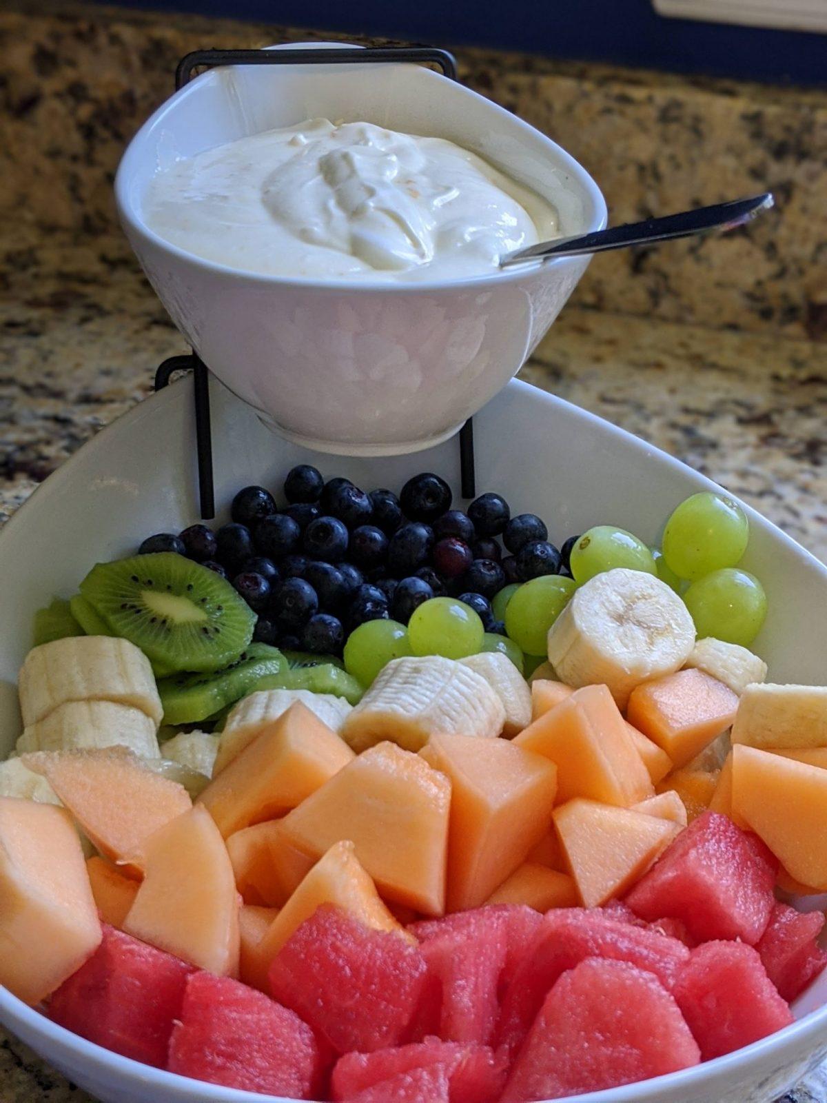 fruit salad bowl with fruit dip