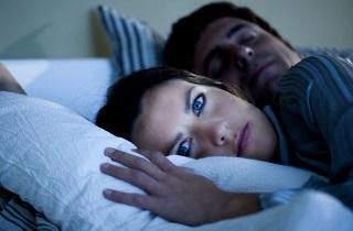 Как спать с открытыми глазами