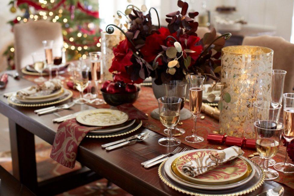 طاولة احتفالية