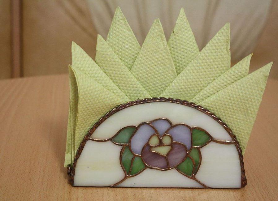 «Корона» из салфеток или встречный веер