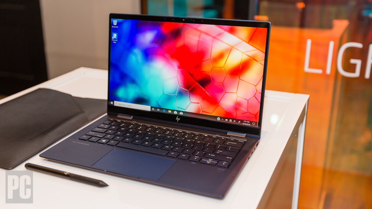 Hands On Hp S Elite Dragonfly Is An Absurdly Light Laptop