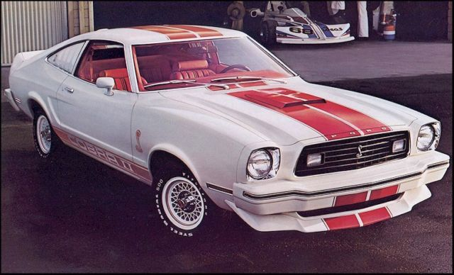 1975 Ford Mustang 289 Engine