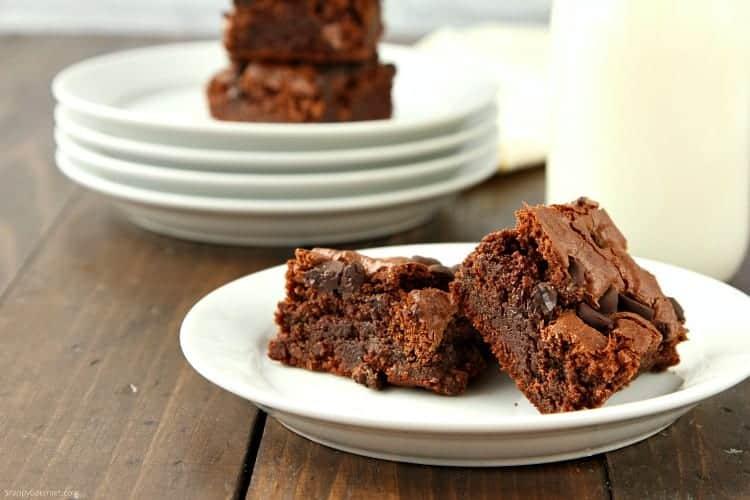 Almond Flour Brownies Recipe - fudgy chewy chocolate brownie recipe