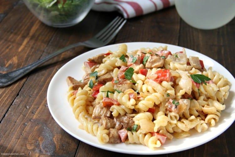 Cajun Chicken Alfredo pasta with fork