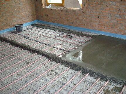 Hur man gör vatten varmt golv i ett privat hus
