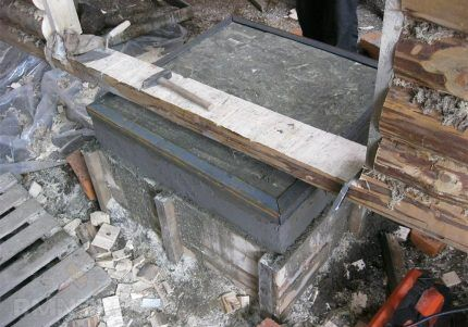 Monolithic Concrete Base para sa Construction Stove.
