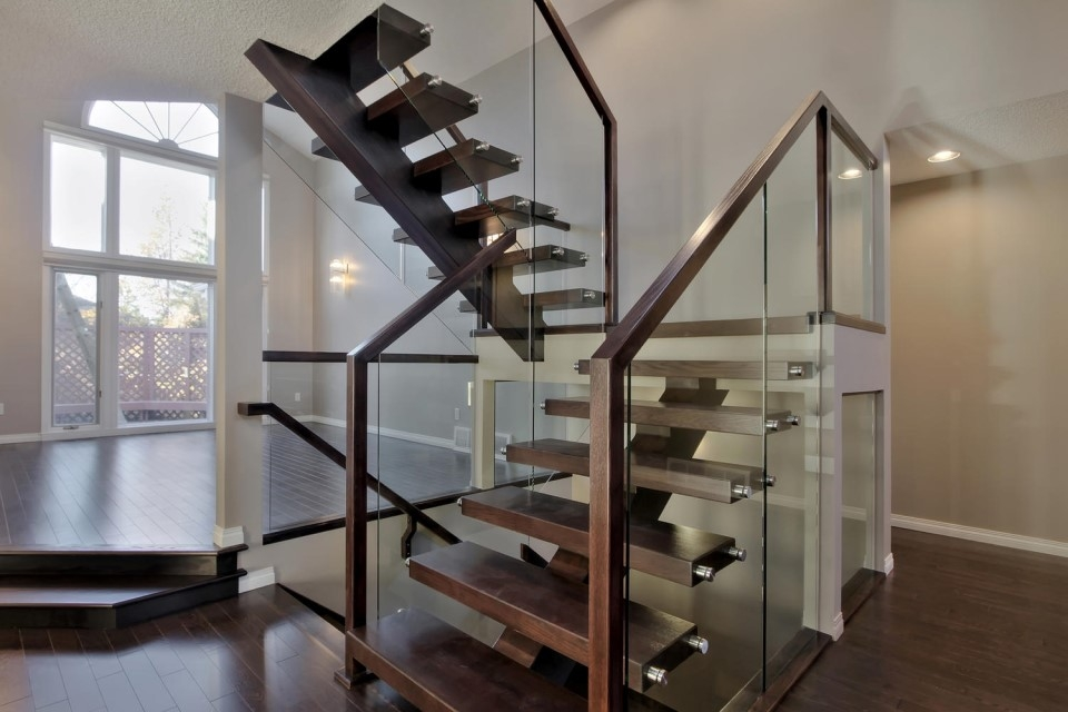 Top 10 Modern Glass Railing Inspirations Specialized Stair Rail | Oak Handrail For Glass | Cottage Style | Glass Railing | Red Oak | Landing | Stair Railing