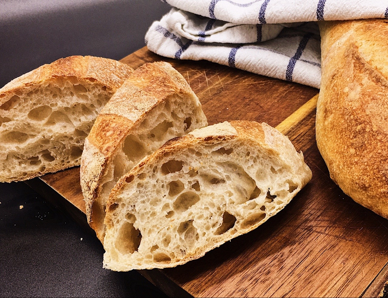 Baguettes mit Poolish (Rezept von Dietmar Kappl/ homebaking.at)
