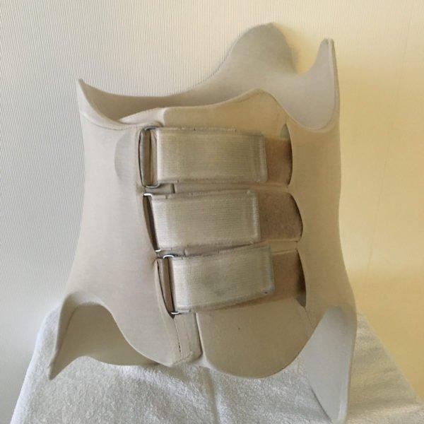 Для Шено шьют на заказ бесшовные чехлы, повышающие комфорт при ношении корсета