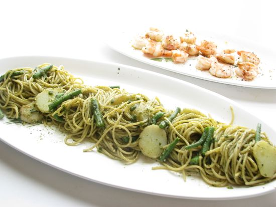 Spaghetti Genovese with Pesto from Spinach Tiger
