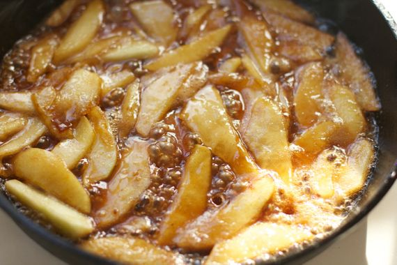 Cinnamon Apples for Apple Dutch Baby by Spinach Tiger