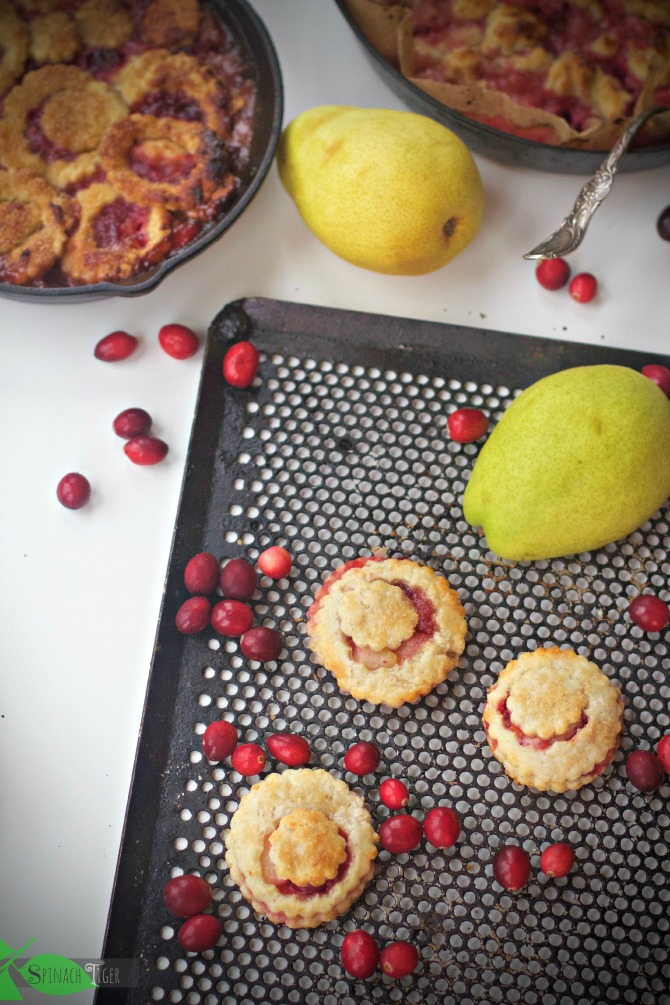 Pear Cranberry Cobbler from Spinach TIger #pear #cranberry #cobbler #spinachtiger