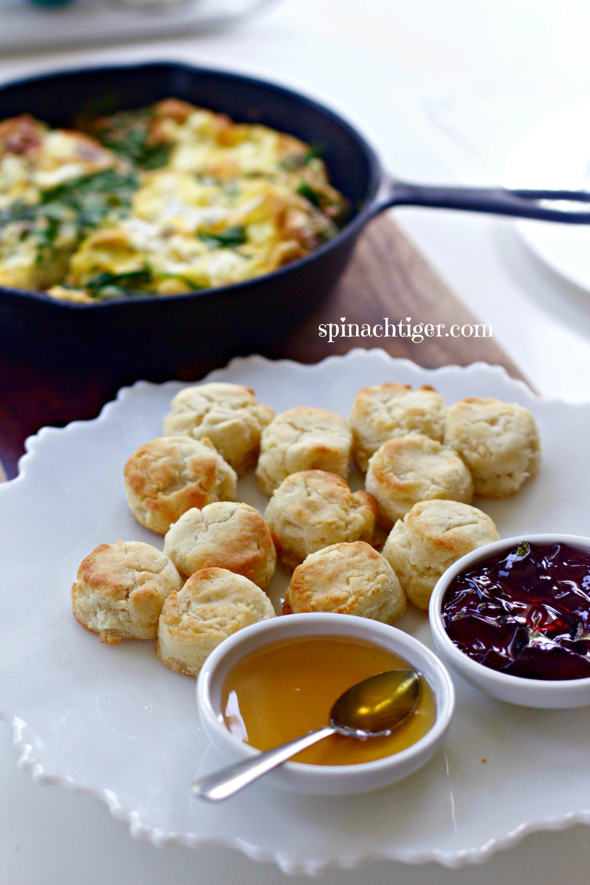 The best southern fluffy gluten free biscuit from Spinach Tiger