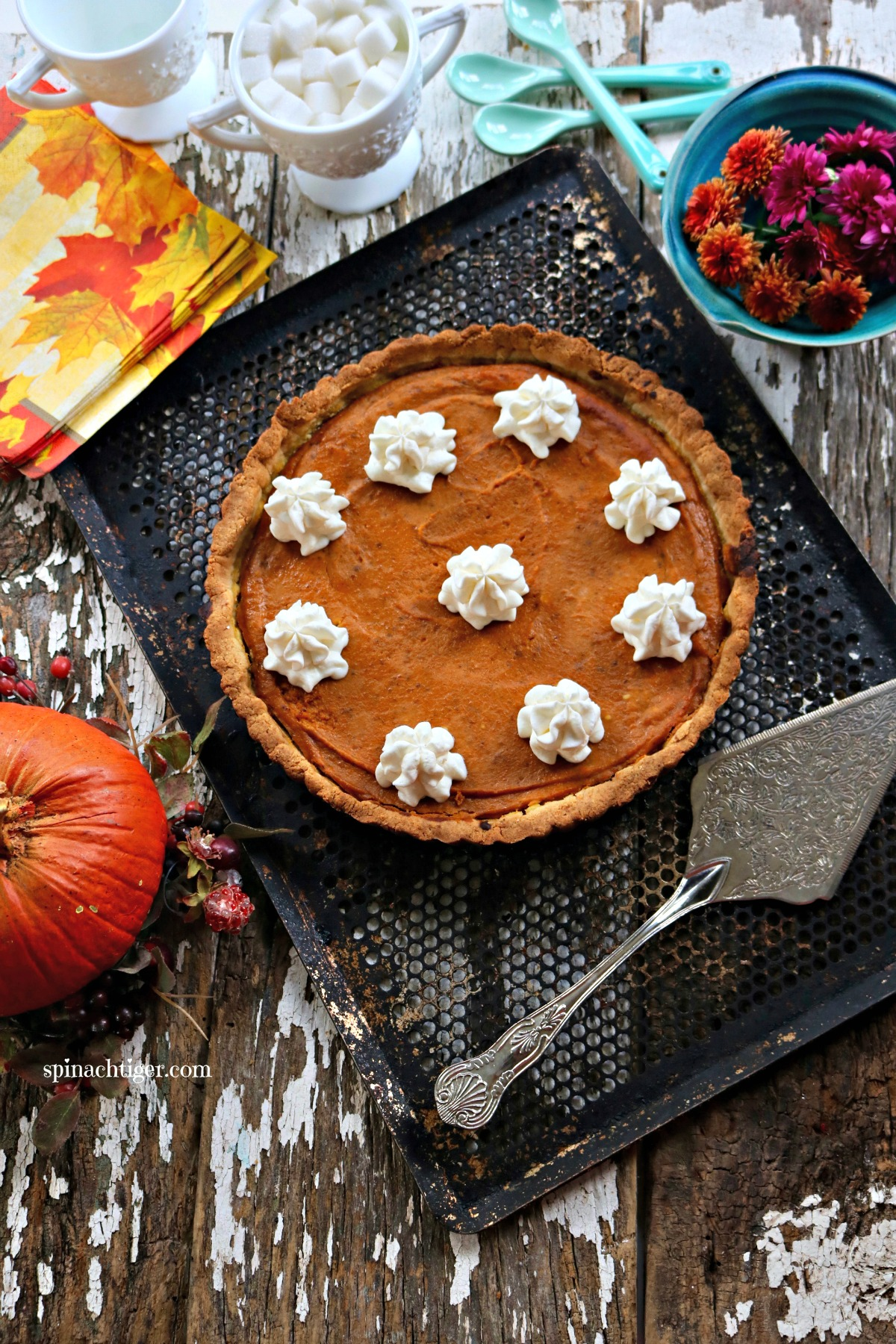 How to Make low carb pumpkin pie with almond flour pie crust from Spinach Tiger