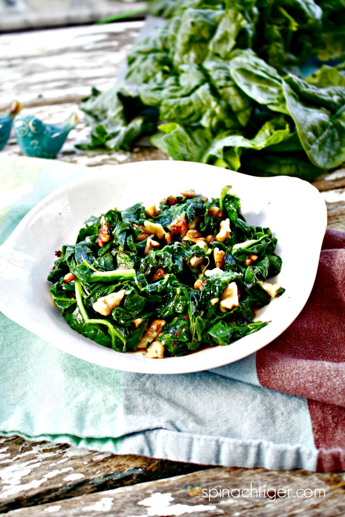How to make Wilted Garlicky Spinach with Walnuts