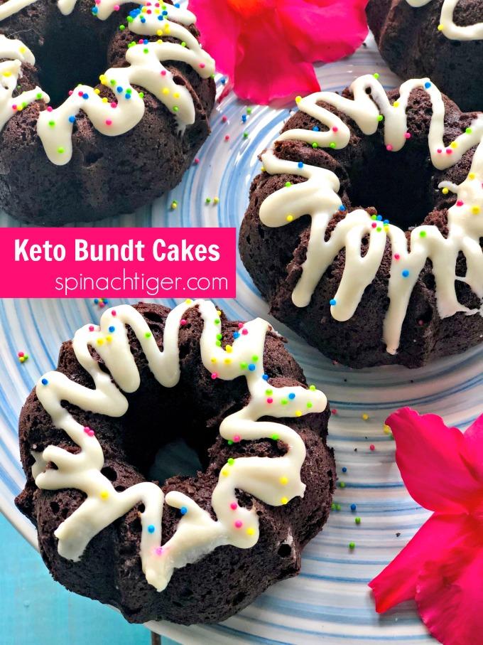 Keto Chocolate Bundt Cakes from #spinachtiger #coconutflourcake #ketocake #ketobundtcake #glutenfreecake #glutenfeechocolatecake