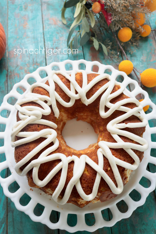 Low carb pumpkin bundt cake