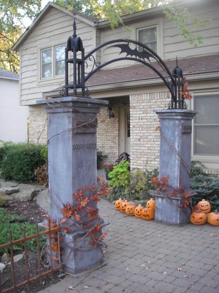 Halloween Entrance Graveyard