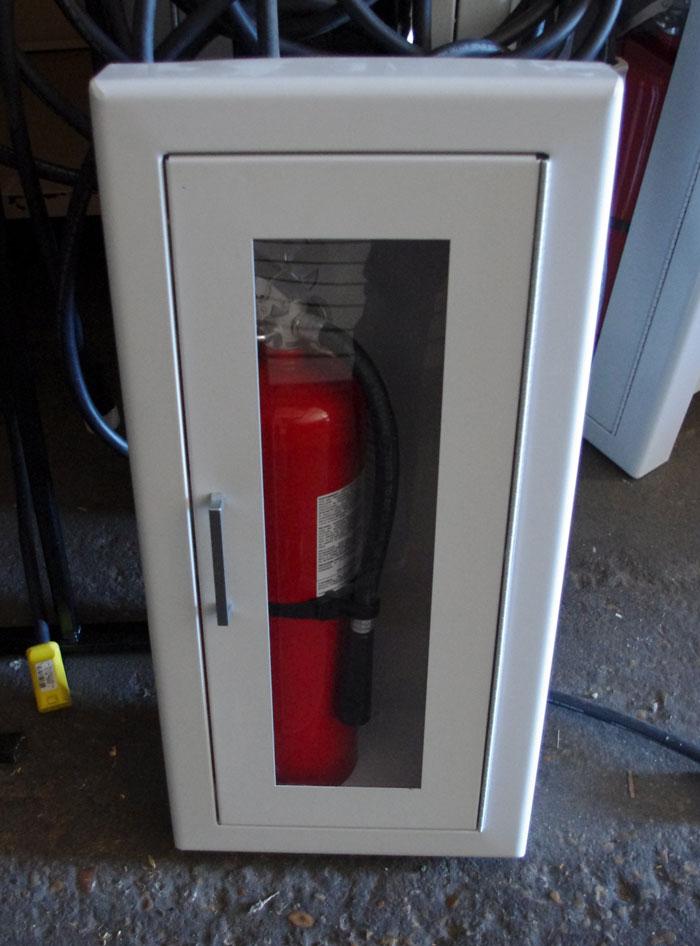 LARSEN RECESSED FIRE EXTINGUISHER CABINET +EXTINGUISHER | eBay