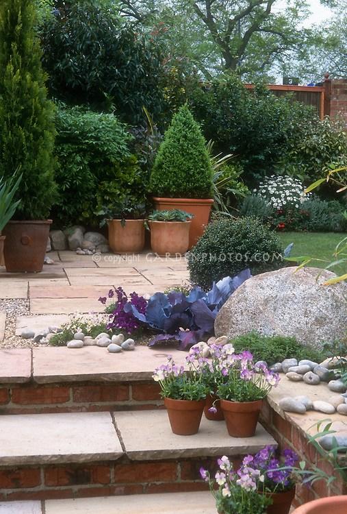 Pretty Backyard Steps Garden Design Plant Flower Stock | Patio With Steps To Garden | Sl*P* | Pinterest | Lighting | Balustrade | Contemporary