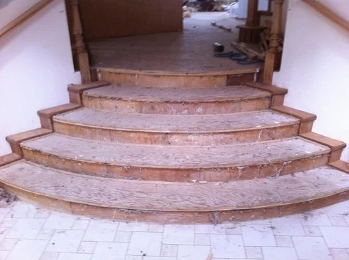 Laying Laminate Flooring On Curved Stairs | Laying Hardwood On Stairs | Cost | Nosing | Combined Wood | Oak | Wood Stair