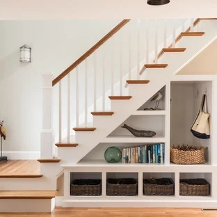 75 Beautiful White Staircase Pictures Ideas September 2020   White And Wood Banister   Stairwell   Gray White   Contemporary   Classic Wood Stair   Colonial
