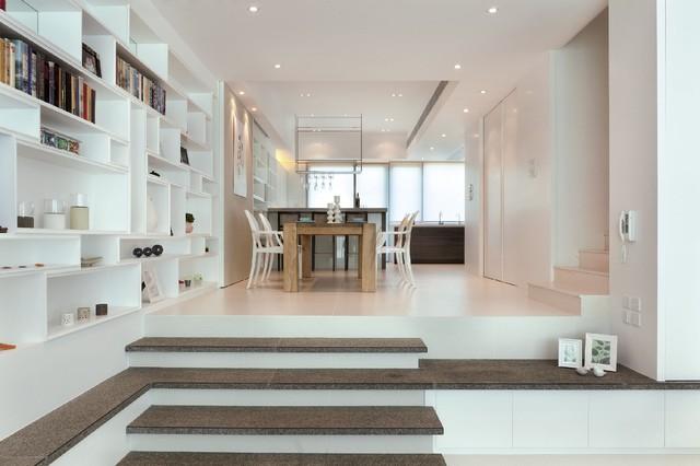 The Vineyard In Hong Kong Contemporary Dining Room