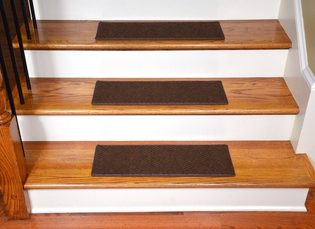 Indoor Or Outdoor Non Slip Carpet Stair Treads Set Of 15   Outdoor Carpet For Stairs   Navy Pattern   Artificial Grass   Front Entrance   Heavy Duty   Mosaic