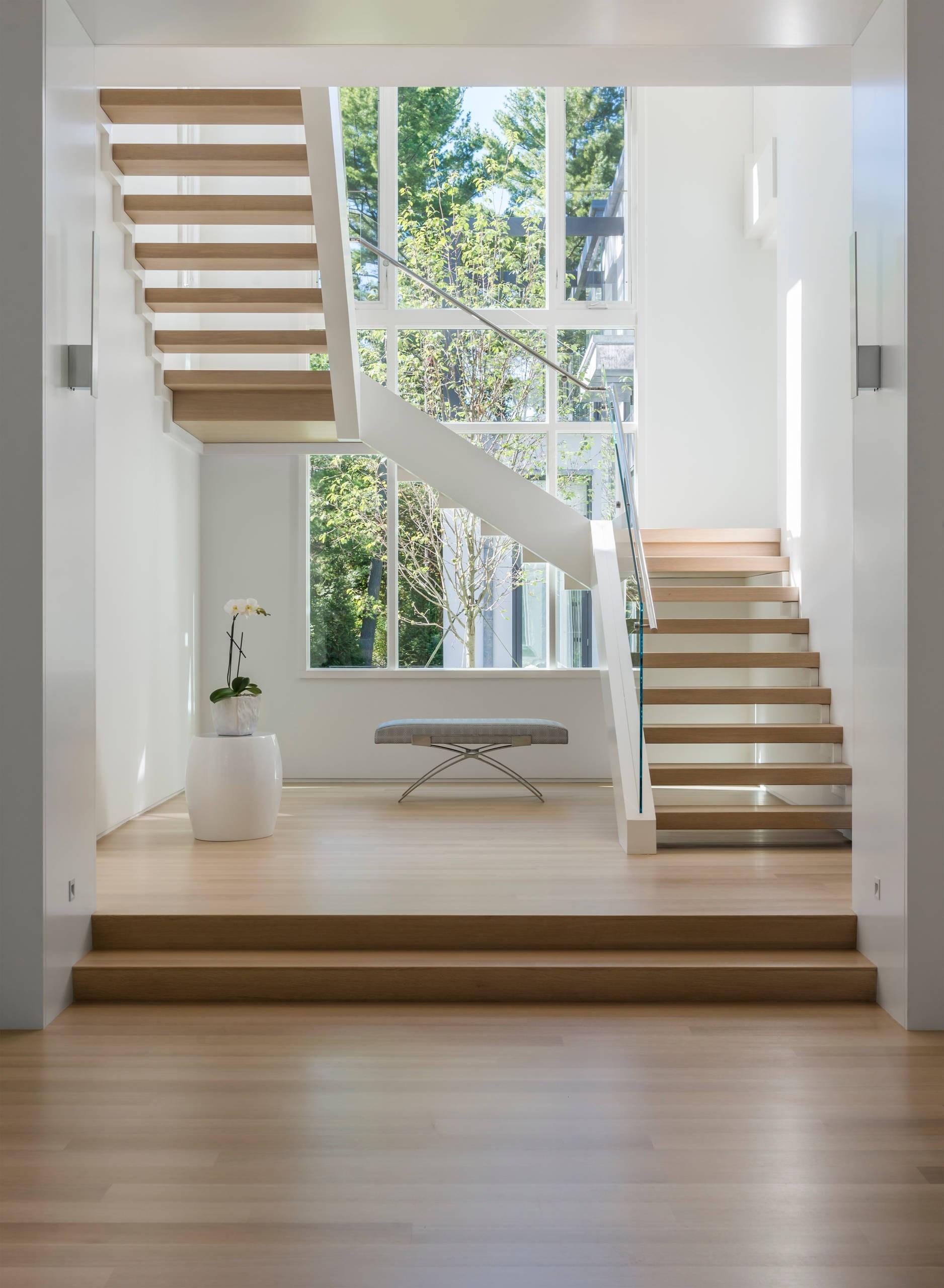 75 Beautiful Staircase Pictures Ideas September 2020 Houzz | Steps Design Inside Home | Beautiful | Wooden | Ultra Modern | Sala | Behind Duplex